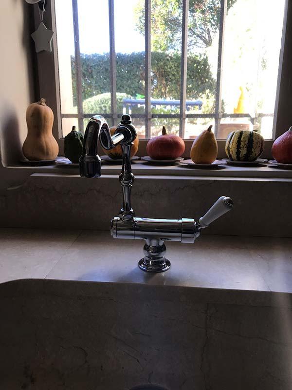 salle de bain élégante à lambesc